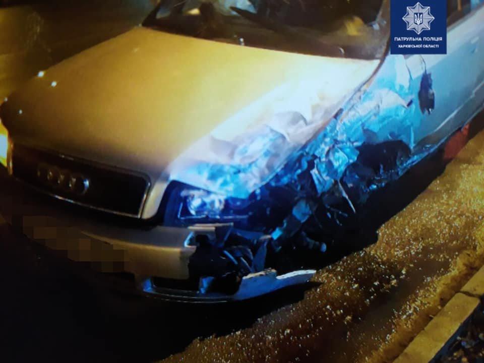 В Харькове столкнулись микроавтобус и легковое авто: оба водителя в больнице, - ФОТО, фото-1
