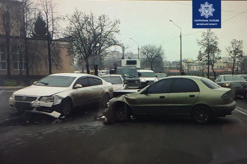 В Харькове не поделили дорогу сразу пять автомобилей, - ФОТО, фото-2