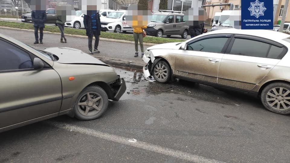 В Харькове не поделили дорогу сразу пять автомобилей, - ФОТО, фото-1