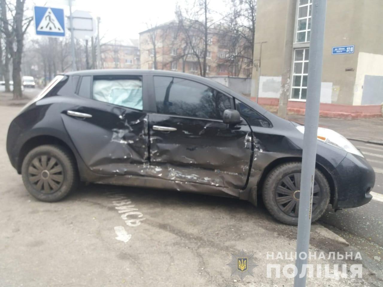 В Харькове столкнулись два автомобиля. Пострадал 6-летний ребенок, - ФОТО, фото-1