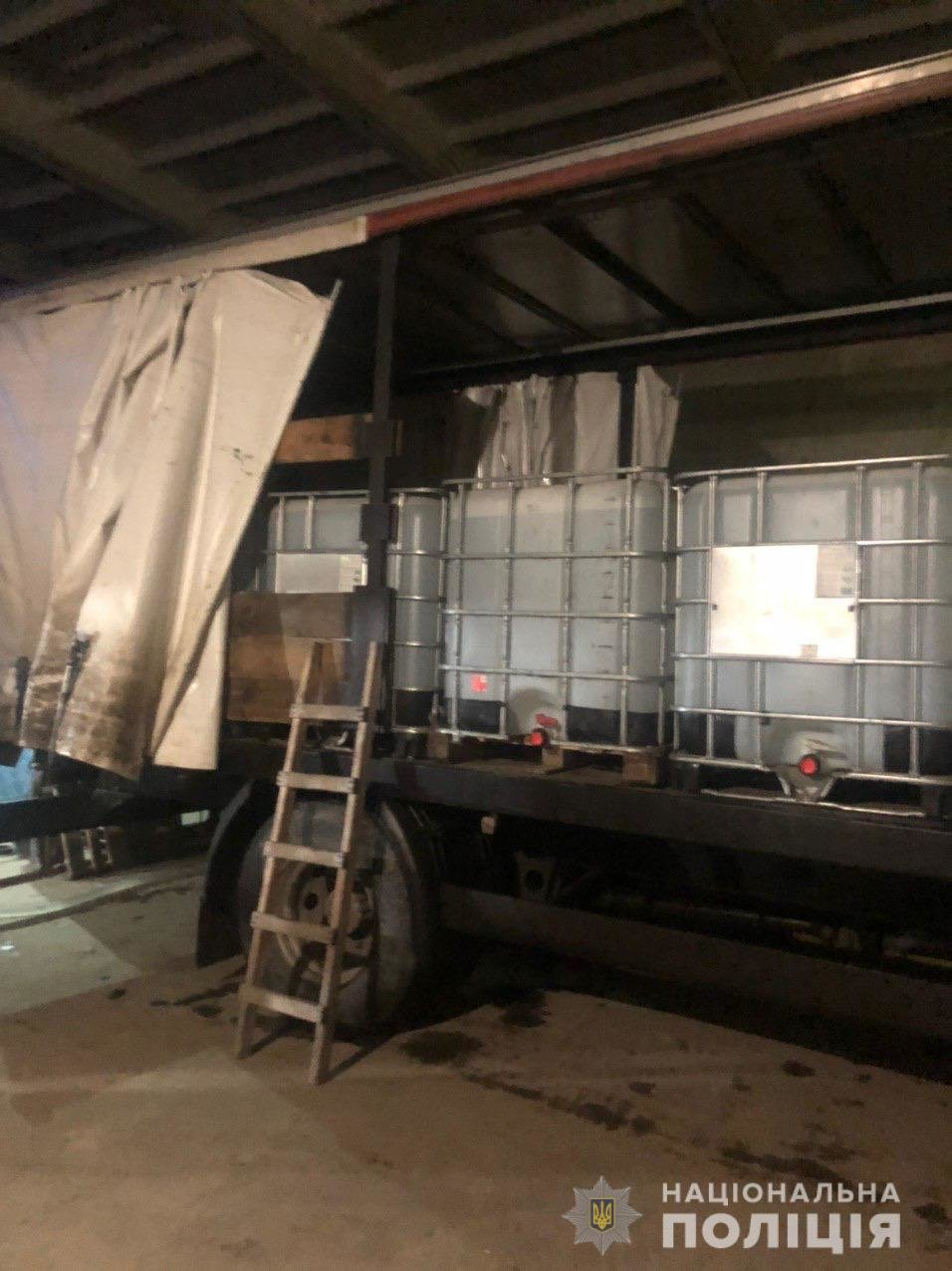 В Харькове изъяли 12 тонн спирта, который незаконно хранили в гараже, - ФОТО, фото-4