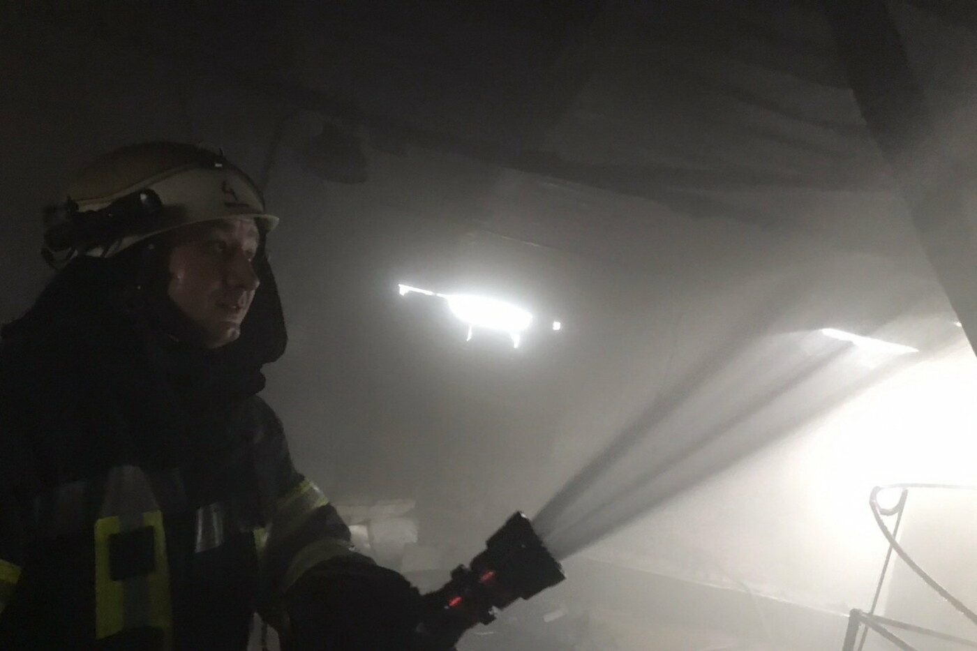 В Харькове спасатели тушили пожар на мясокомбинате, - ФОТО, фото-1
