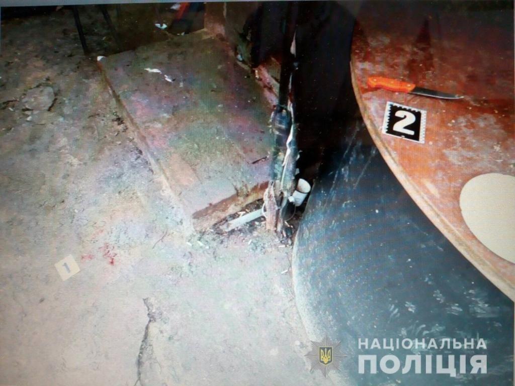 Под Харьковом женщина во время ссоры едва не зарезала своего любовника, - ФОТО, фото-1