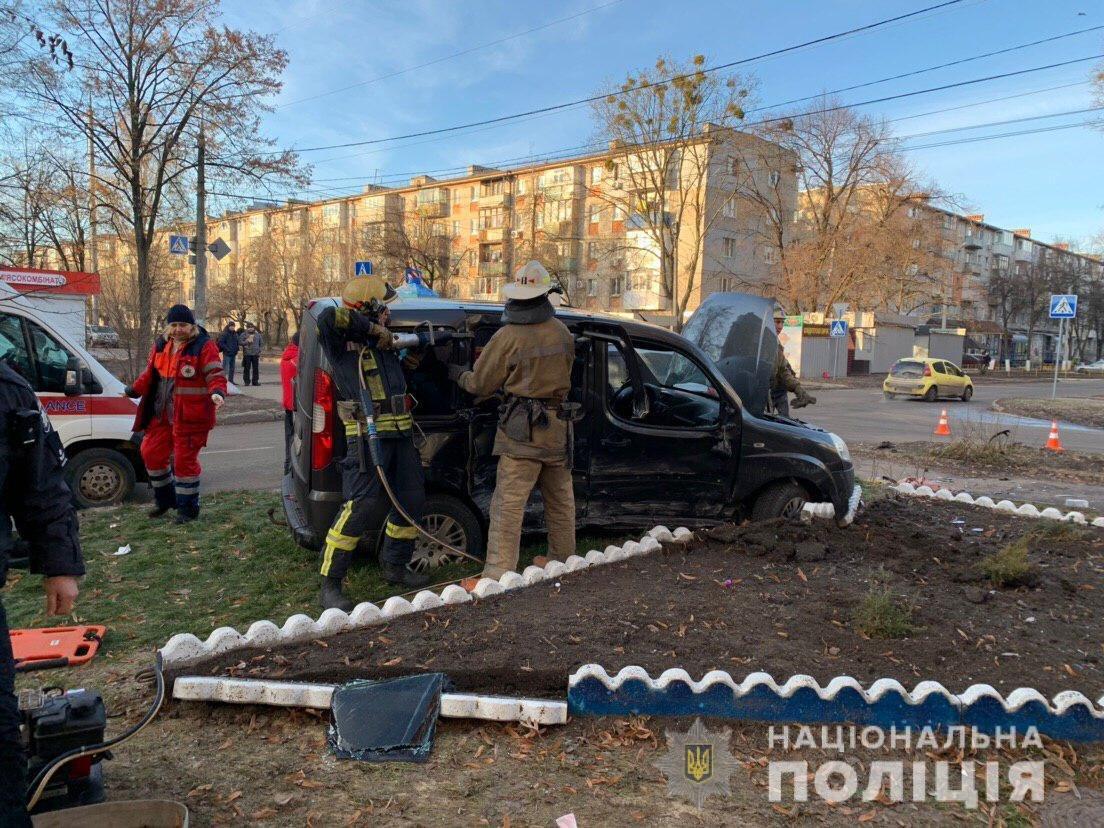 В Харькове столкнулись «Fiat» и «Kia»: в ДТП пострадали мужчина и пенсионерка, - ФОТО, фото-2