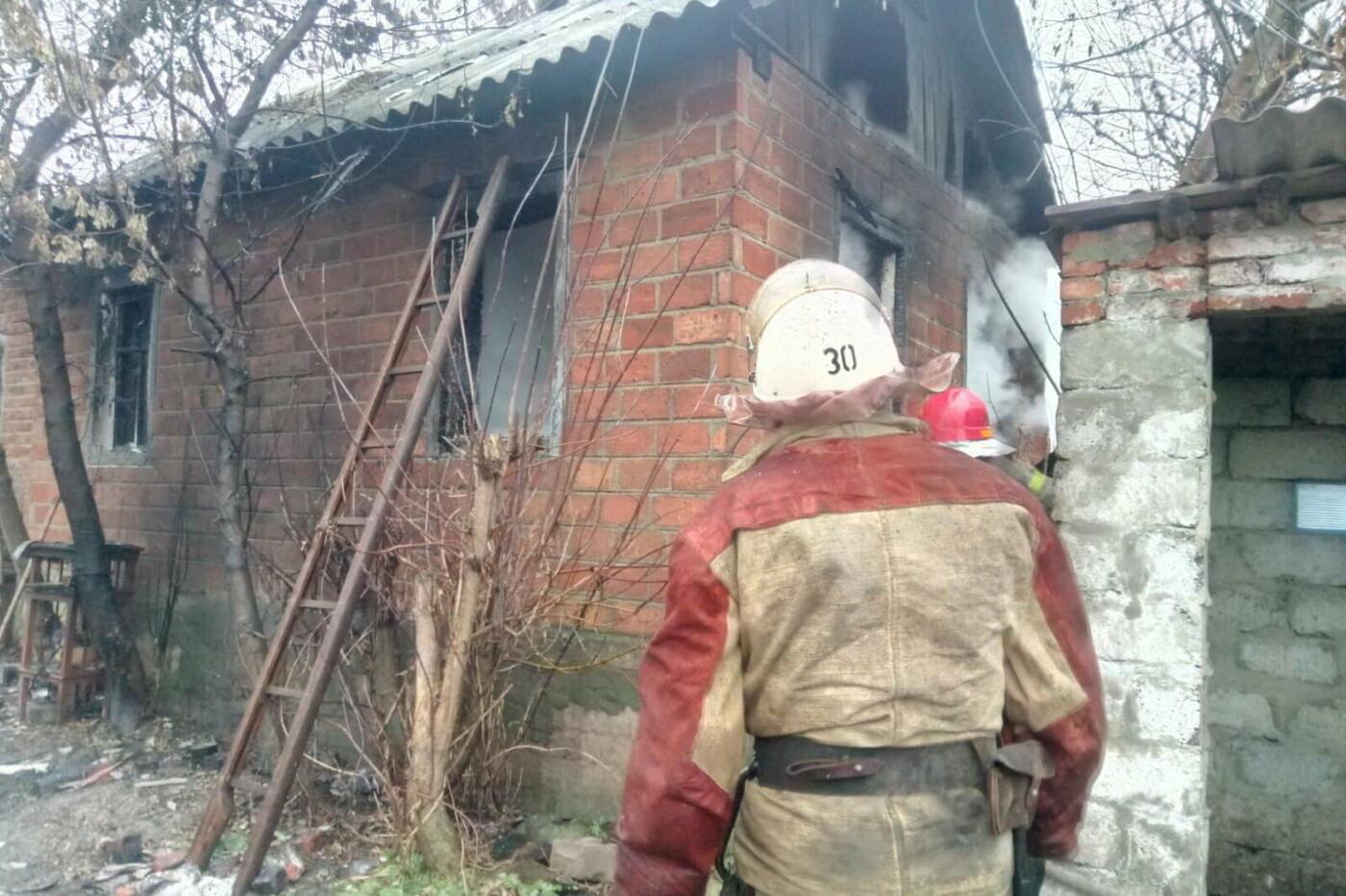 На Харьковщине загорелся частный дом: спасатели нашли труп погибшего мужчины, - ФОТО, фото-1