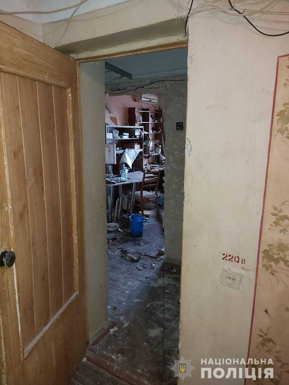 Оторвало руку и ногу: в Харькове мужчина сам себя подорвал в квартире, - ФОТО, фото-1