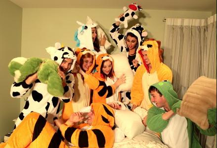 Пижамные вечеринки – лучшие тематические вечеринки и костюмированные праздники, фото-12