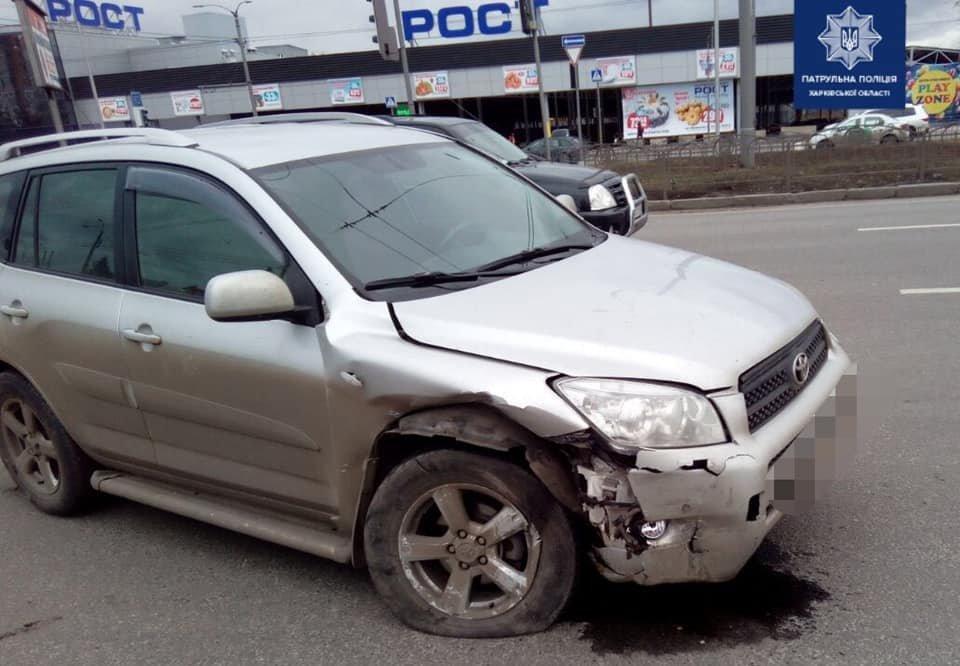 В Харькове не поделили дорогу «Toyota» и «Nissan»: водители авто в больнице, - ФОТО, фото-2