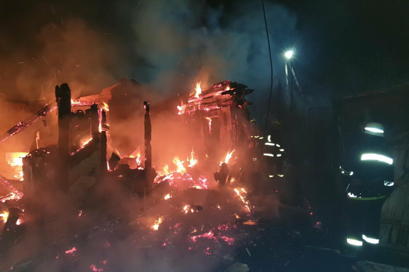 На Харьковщине спасатели восемь часов тушили пожар в частном доме, - ВИДЕО, ФОТО, фото-1