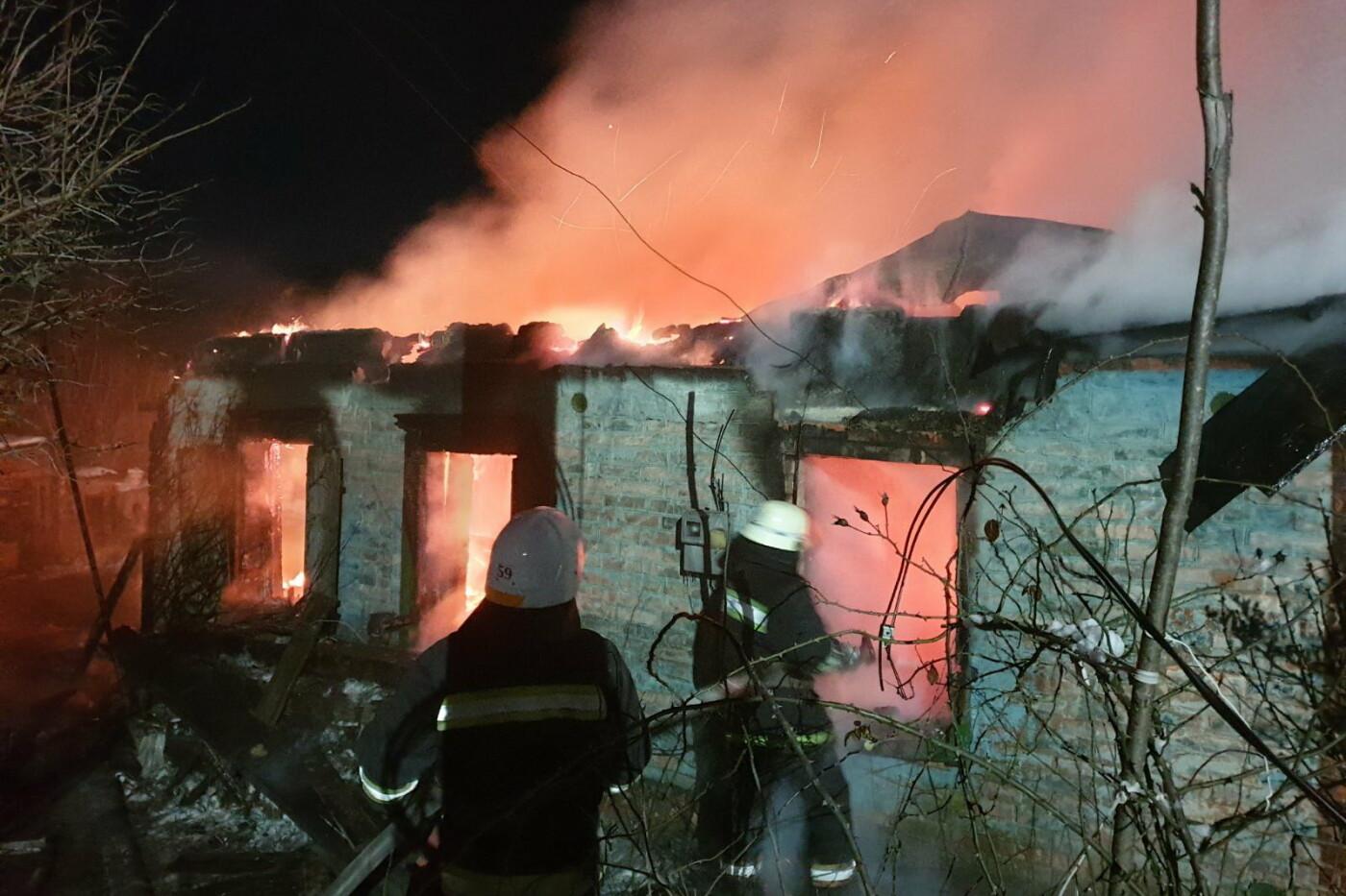 На Харьковщине спасатели восемь часов тушили пожар в частном доме, - ВИДЕО, ФОТО, фото-2