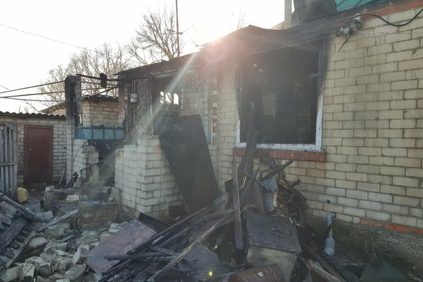 Огонь отрезал единственный выход: под Харьковом бабушка пробралась в горящий дом и спасла внука, - ФОТО, фото-1