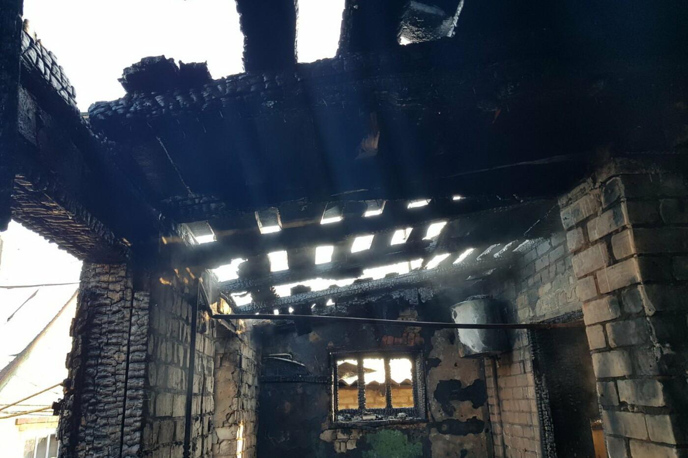 Огонь отрезал единственный выход: под Харьковом бабушка пробралась в горящий дом и спасла внука, - ФОТО, фото-4