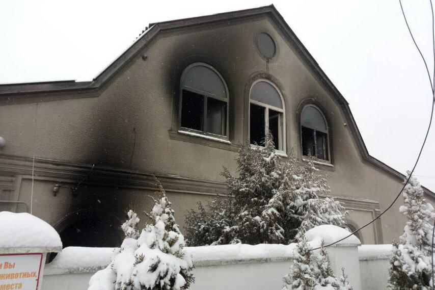 На Харьковщине спасатели два часа тушили пожар в двухэтажном доме: погибла женщина, - ФОТО, фото-2