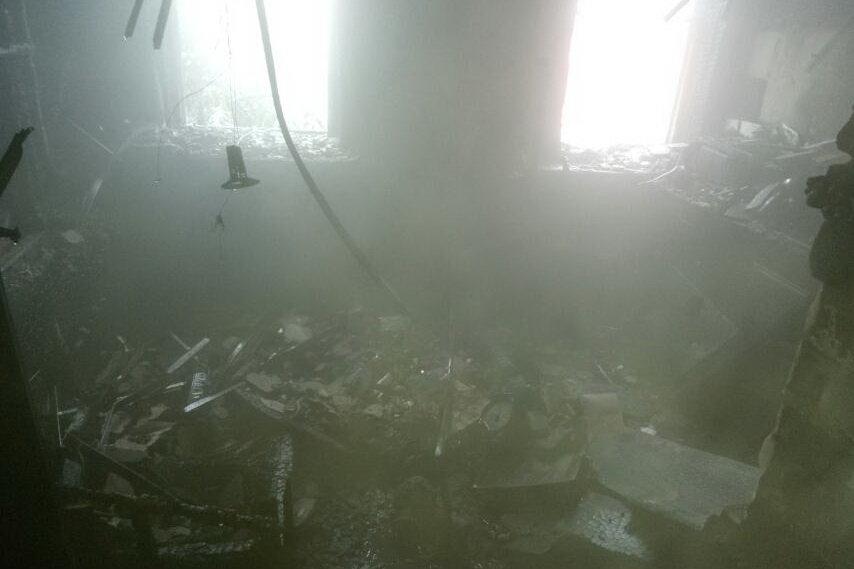 На Харьковщине спасатели два часа тушили пожар в двухэтажном доме: погибла женщина, - ФОТО, фото-4