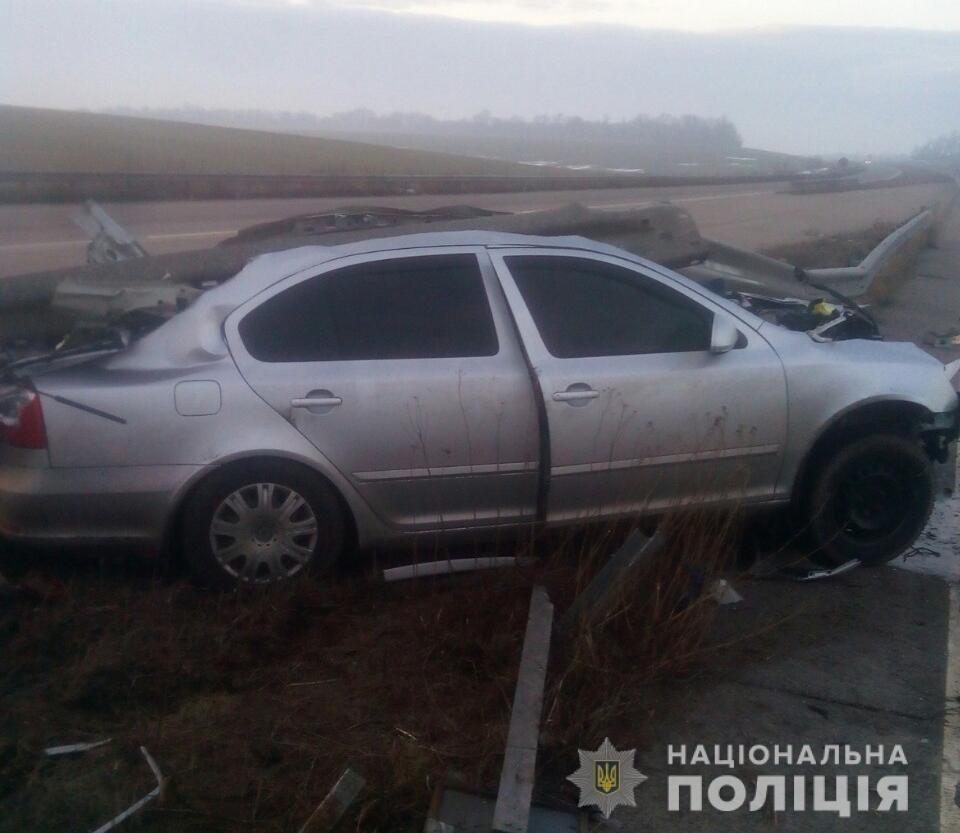 На Харьковщине пострадал пассажир авто, «влетевшего» в металлический отбойник, - ФОТО, фото-3