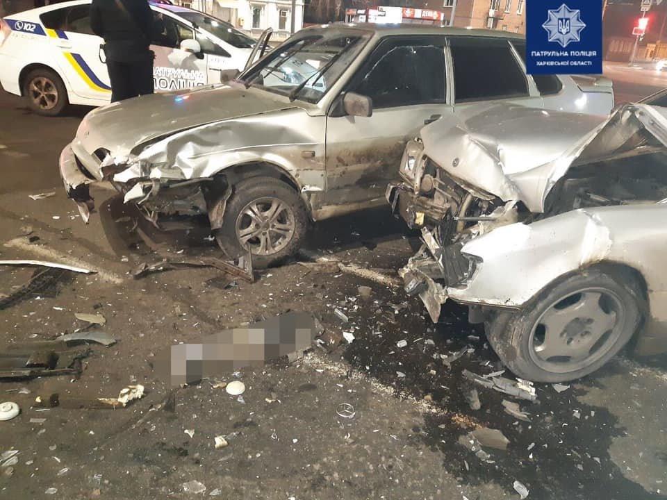 В Харькове не поделили перекресток два легковых авто: пострадал пассажир, - ФОТО, фото-1