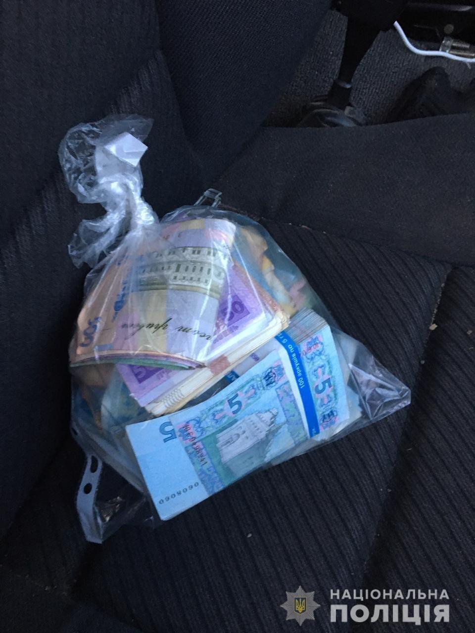 В Одесской области харьковчанин проник в магазин и вынес сейф с десятками тысяч, фото-2