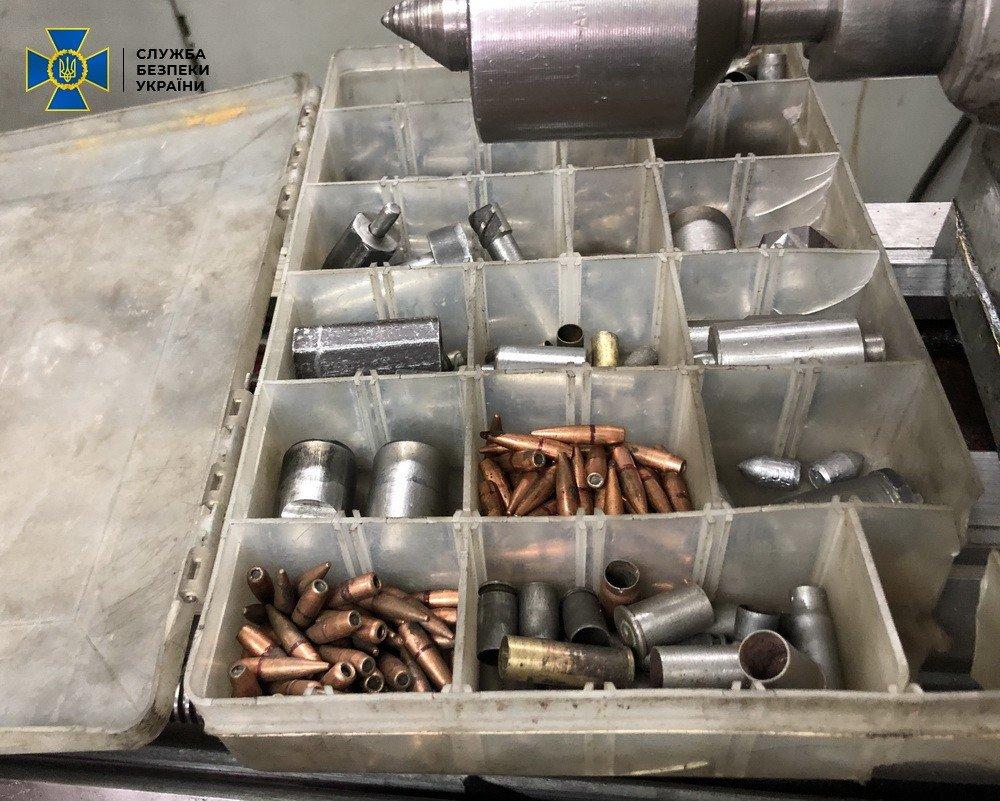 В Харькове СБУ «накрыла» торговца оружием, открывшего мастерскую у себя дома, - ФОТО, фото-4