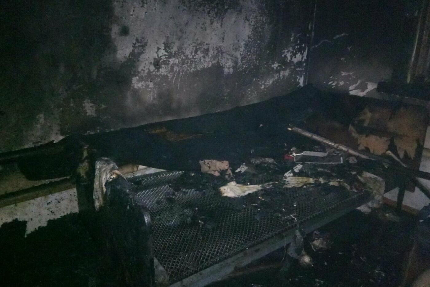 На Харьковщине спасатели во время тушения пожара нашли труп мужчины, - ФОТО, фото-3