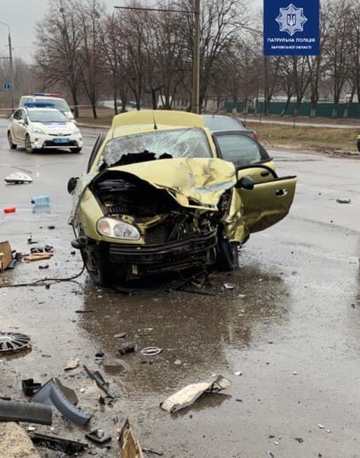 Перевернутое авто и четверо пострадавших: в Харькове столкнулись «Opel» и «ЗАЗ», - ВИДЕО, фото-1