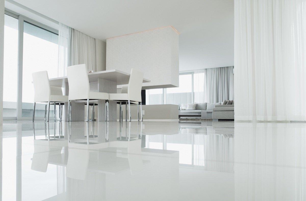 Современные напольные покрытия: резиновая плитка и декоративный наливной пол, фото-1