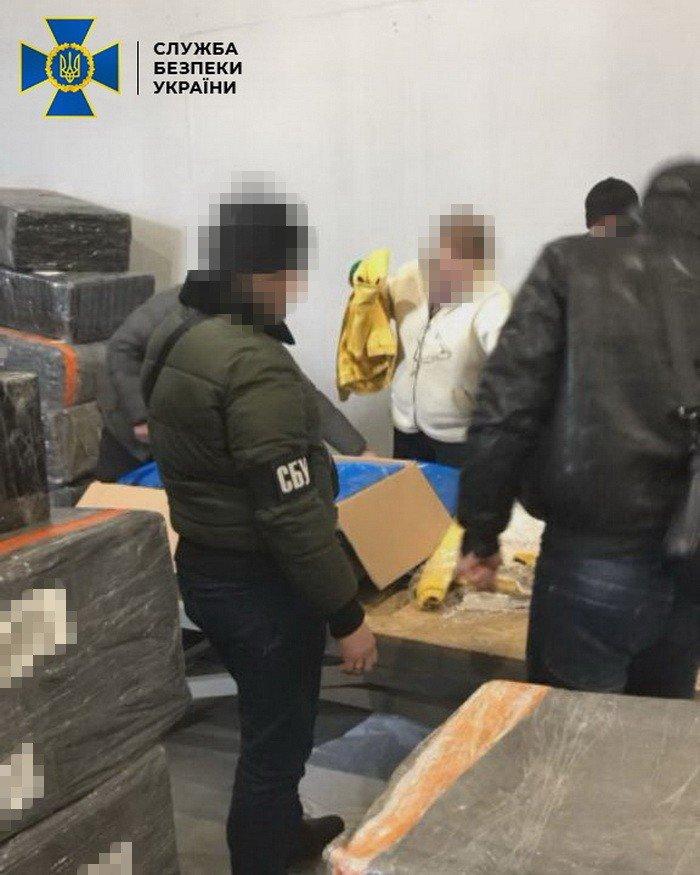 Ущерб на 3 миллиона евро: жители Харьковщины организовали незаконную схему ввоза товаров в Украину, - ФОТО, фото-2