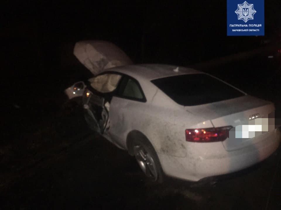 На Холодной горе водитель Audi снес столб, - ФОТО, фото-1