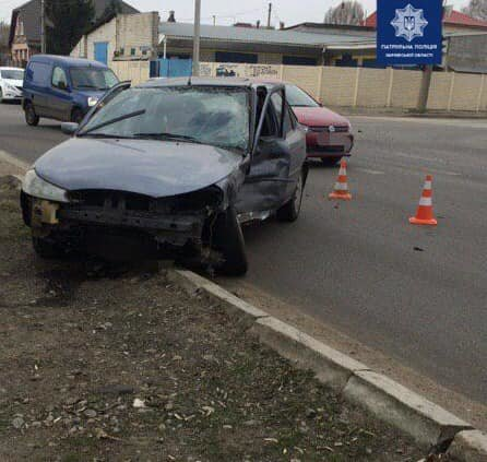 В Харькове авто «Cadilac» снесло забор после столкновения с машиной «Ford»: есть пострадавший, - ФОТО, фото-2