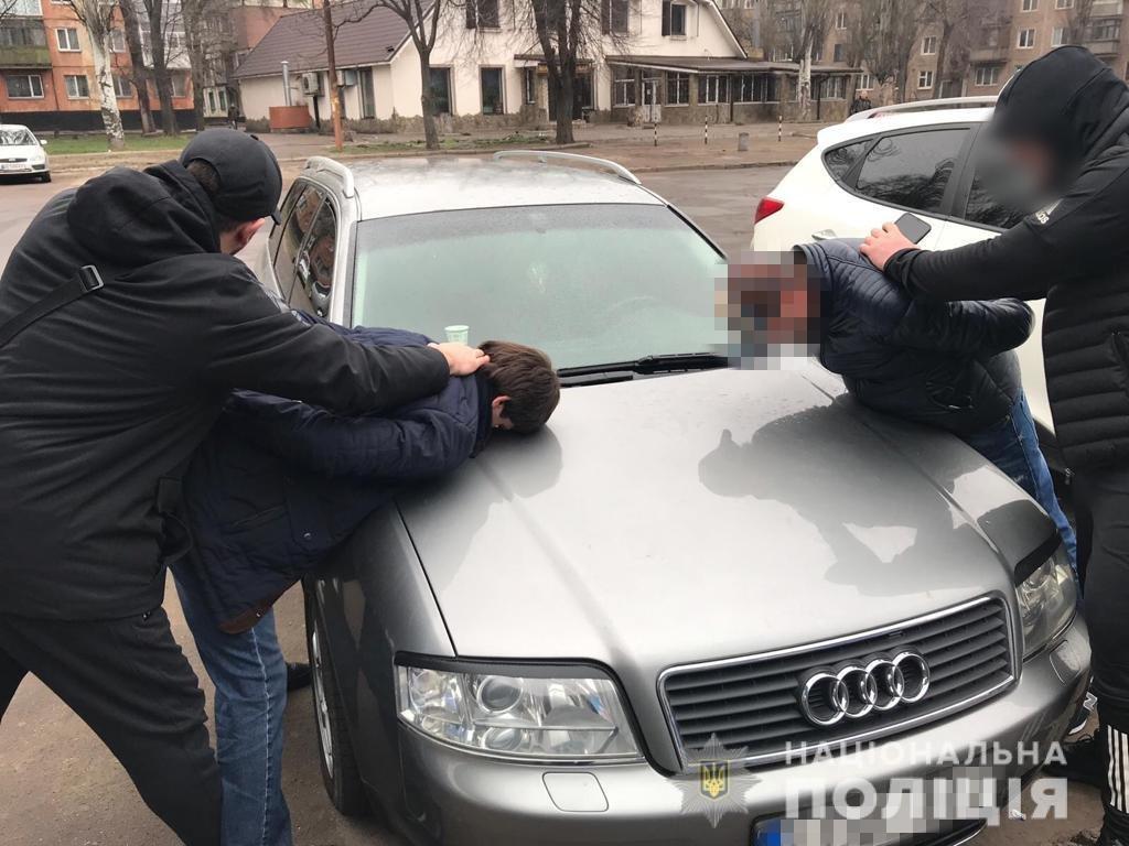 В Харькове граждане Грузии грабили женщин на парковках супермаркетов, - ФОТО, фото-1