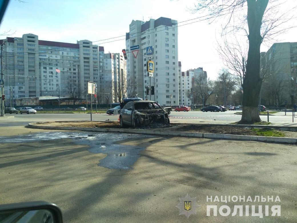 В Харькове столкнулись «Skoda» и «Audi»: один из автомобилей загорелся, два человека пострадали, - ФОТО, фото-2