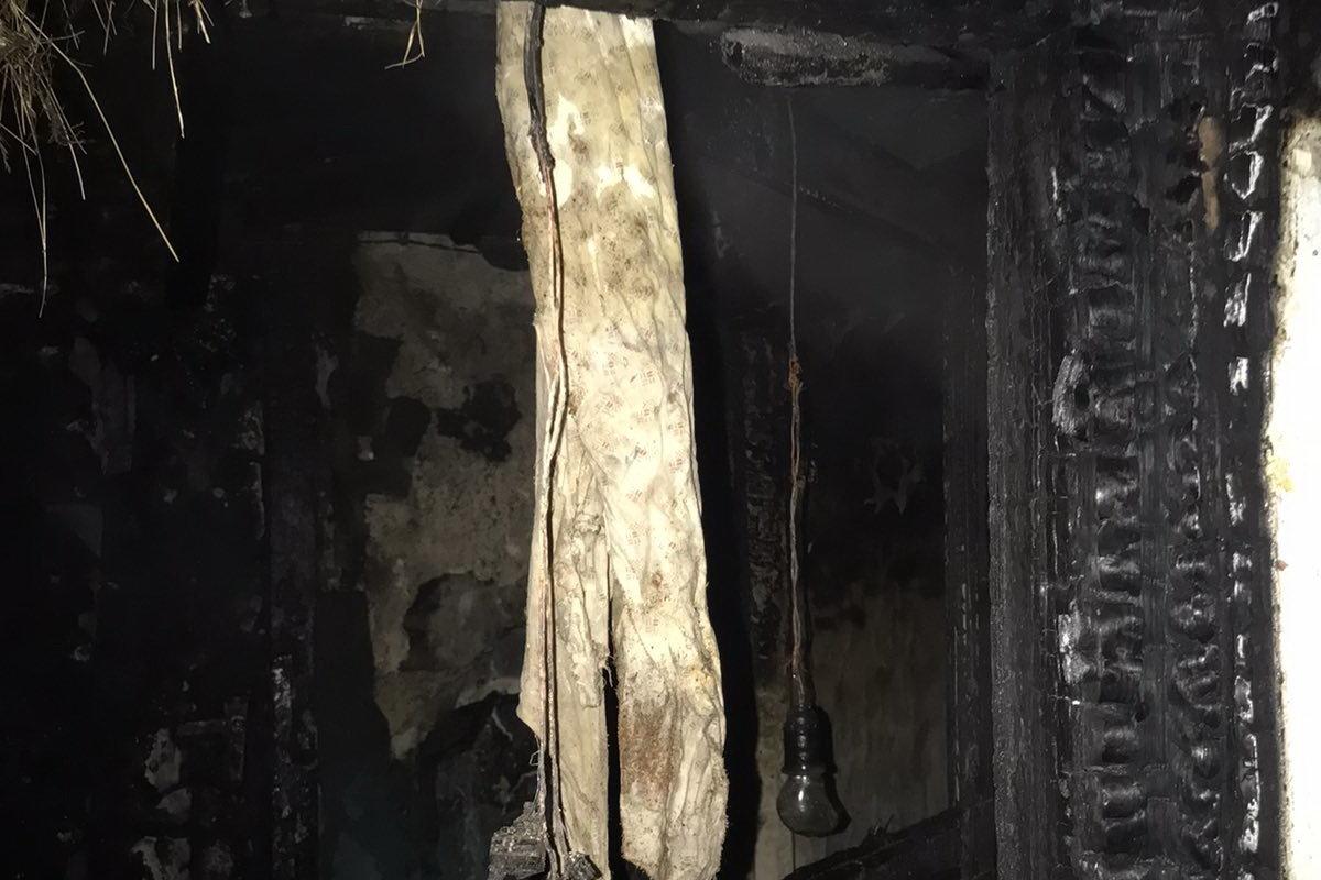 Решил прорываться сквозь огонь: на Харьковщине во время пожара пострадал пенсионер, - ФОТО, фото-2