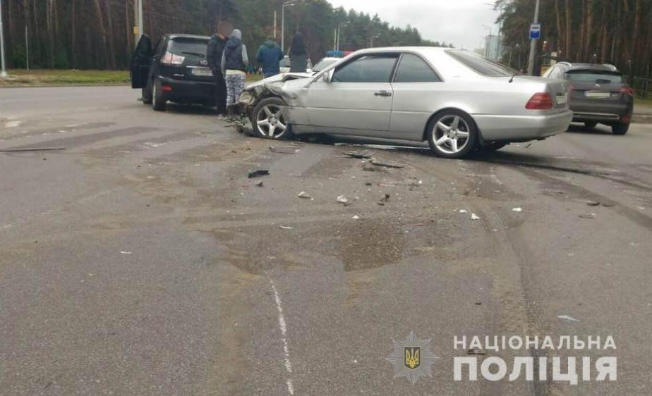В Харькове женщина попала под колеса внедорожника, отлетевшего от удара с другим авто, - ФОТО, фото-2