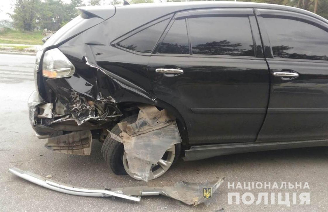 В Харькове женщина попала под колеса внедорожника, отлетевшего от удара с другим авто, - ФОТО, фото-1