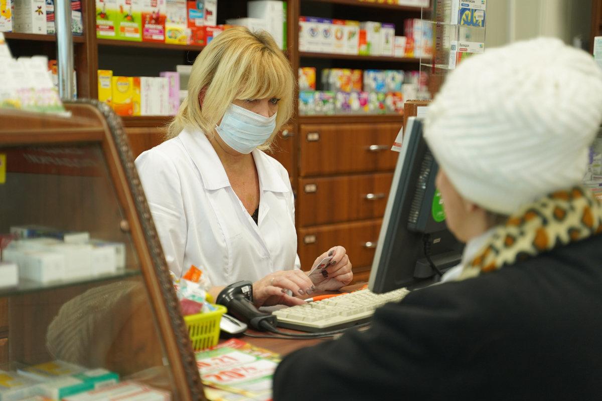 «Мы сами покупали и шили маски». Интервью с аптекарем из Харькова о работе во время эпидемии COVID-19, фото-1