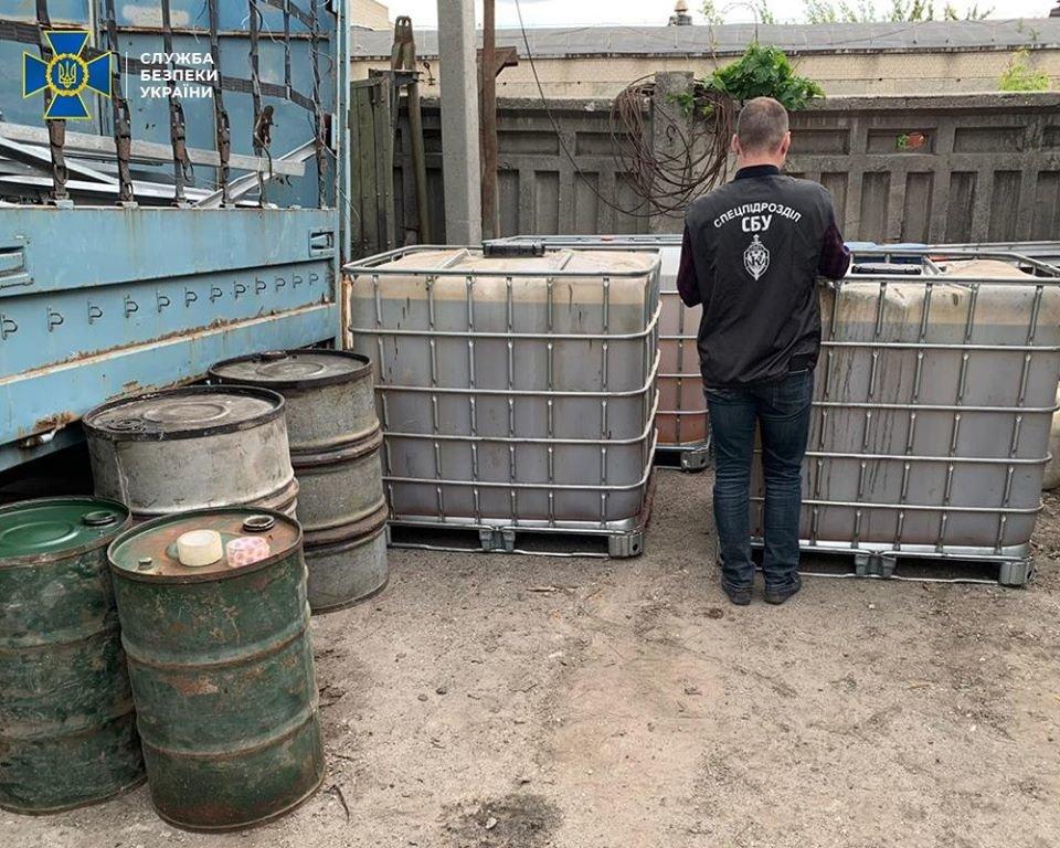 Продавали предпринимателям: на Харьковщине СБУ пресекла хищение горючего для нужд ВСУ, - ФОТО, фото-2