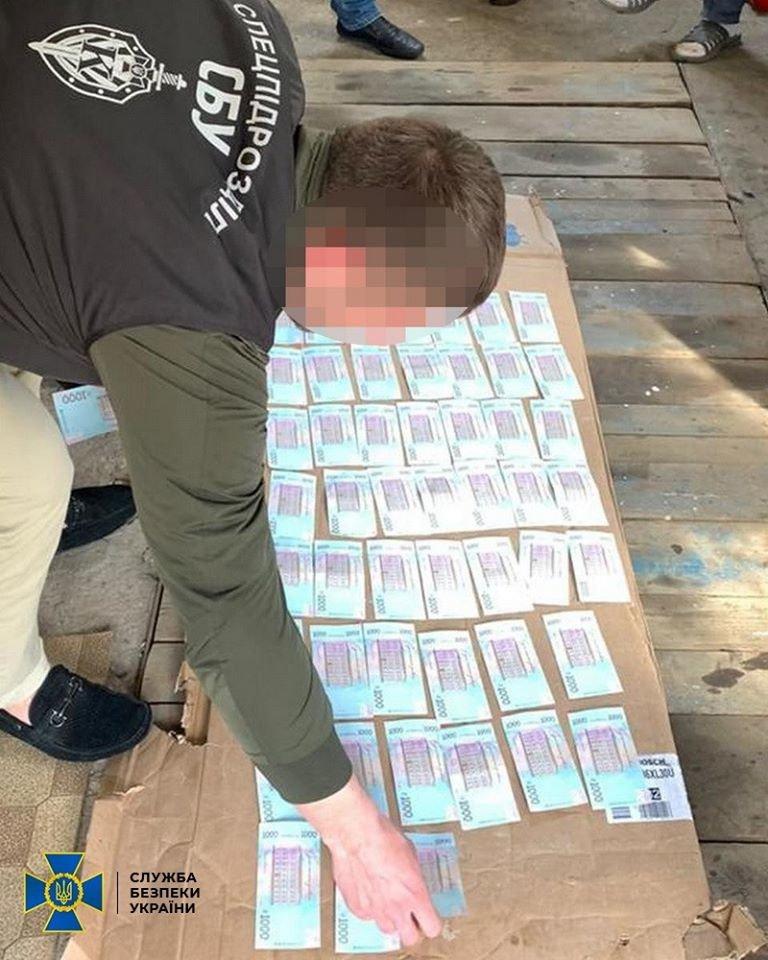 Продавали предпринимателям: на Харьковщине СБУ пресекла хищение горючего для нужд ВСУ, - ФОТО, фото-3