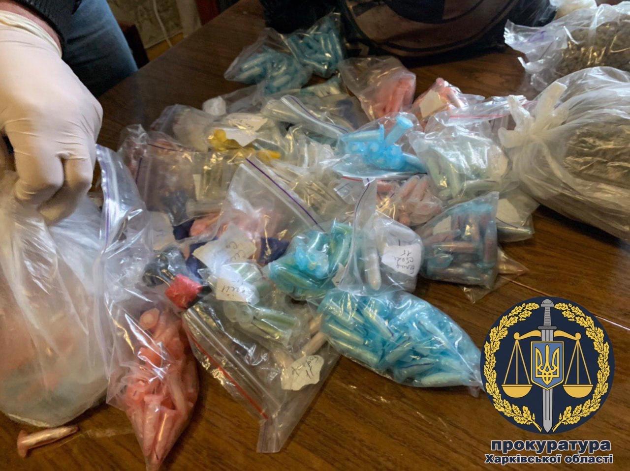 В Харькове 22-летняя девушка организовала у себя дома «оптовый склад» наркотиков, - ФОТО, фото-4