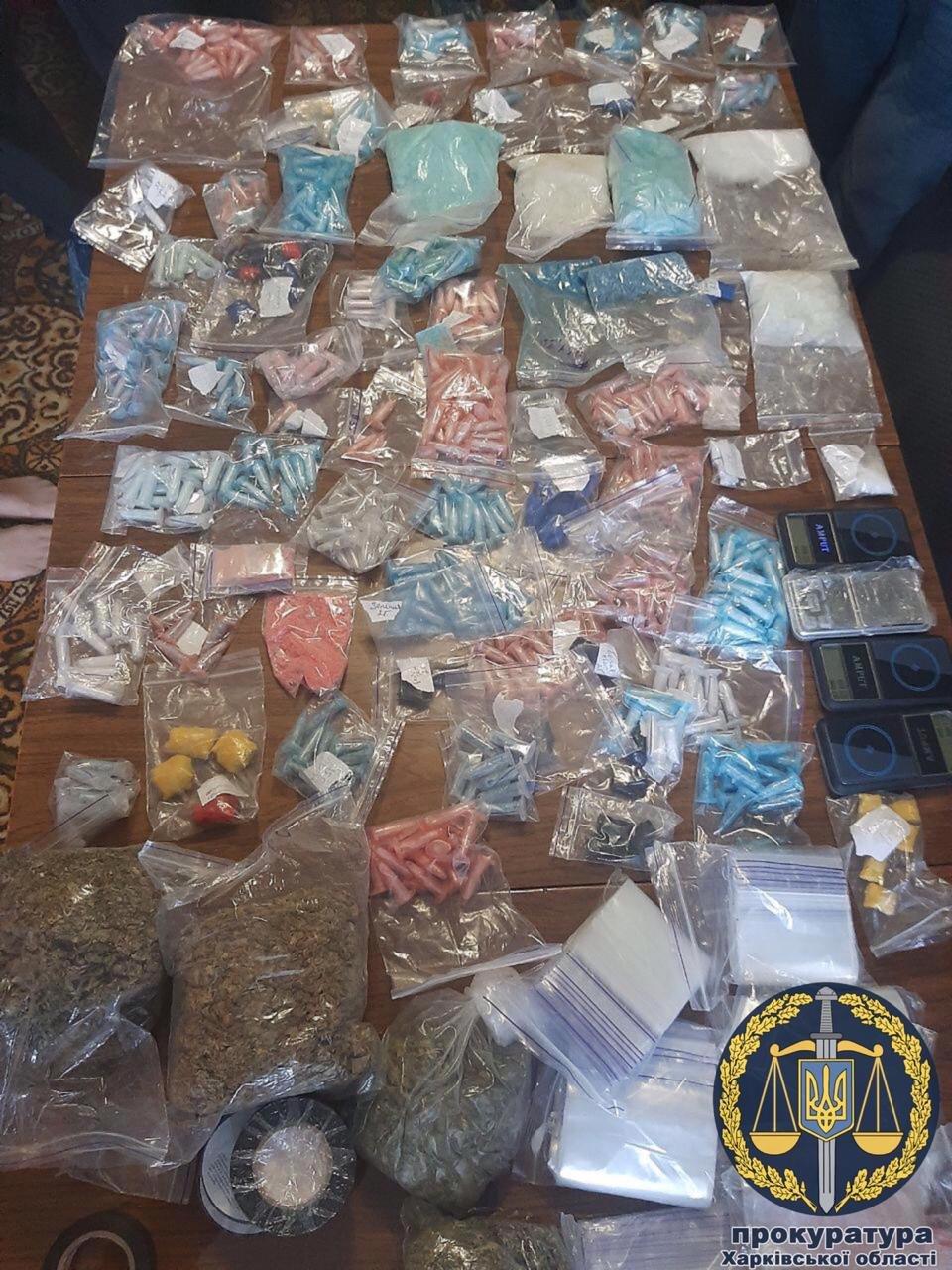 В Харькове 22-летняя девушка организовала у себя дома «оптовый склад» наркотиков, - ФОТО, фото-2
