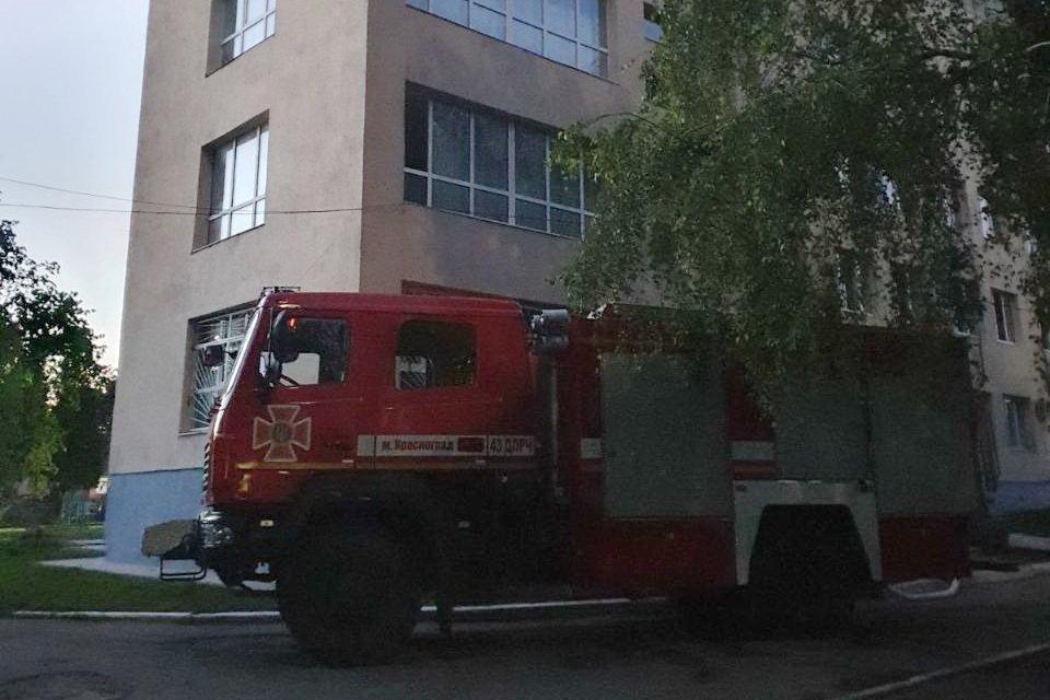 На Харьковщине из-за сильного задымления спасатели эвакуировали девять пациентов больницы, - ФОТО, фото-3