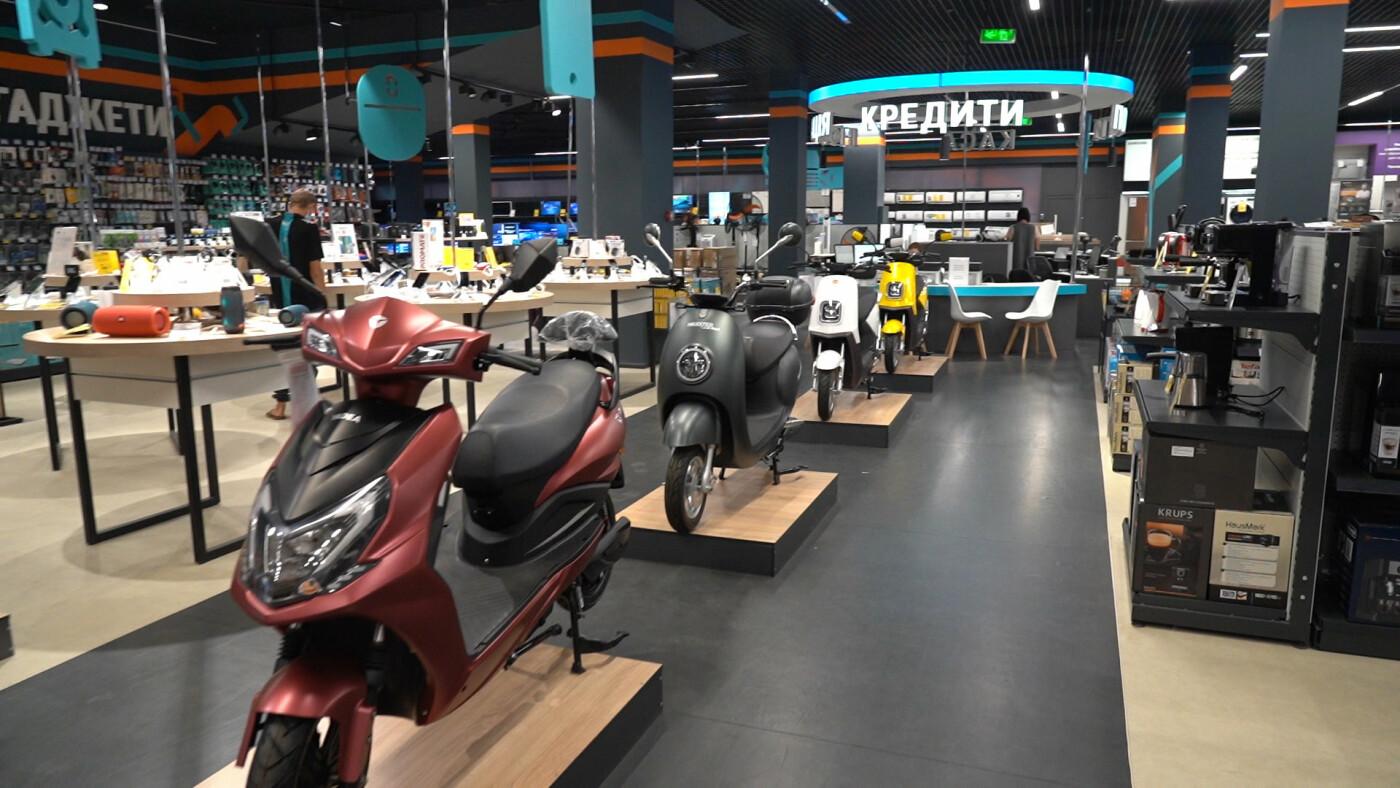 «Епіцентр» оновив свій перший торговельний центр у Харкові, фото-24