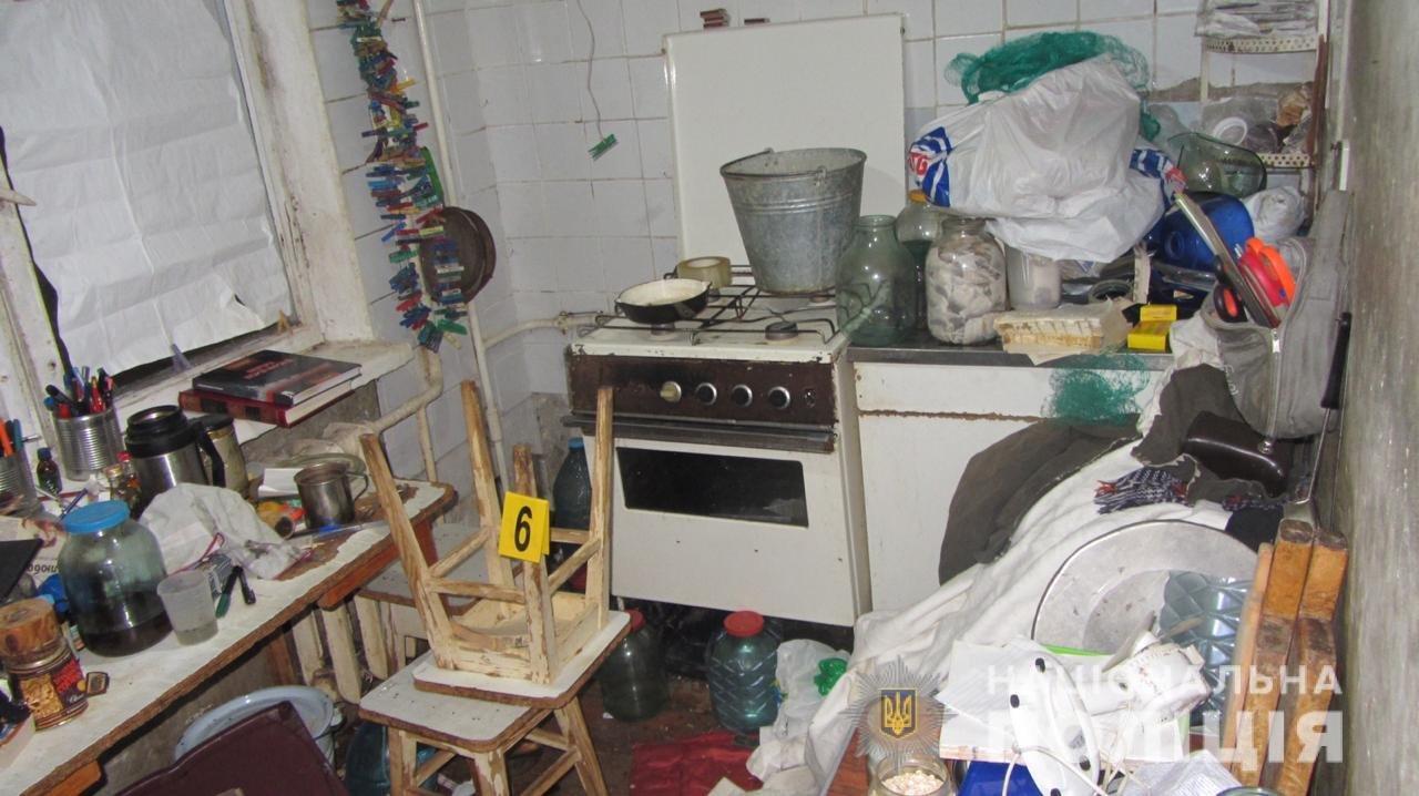 Харьковчанин пытался скрыть самоубийство своих родителей и засолил их тела, - ФОТО, фото-1