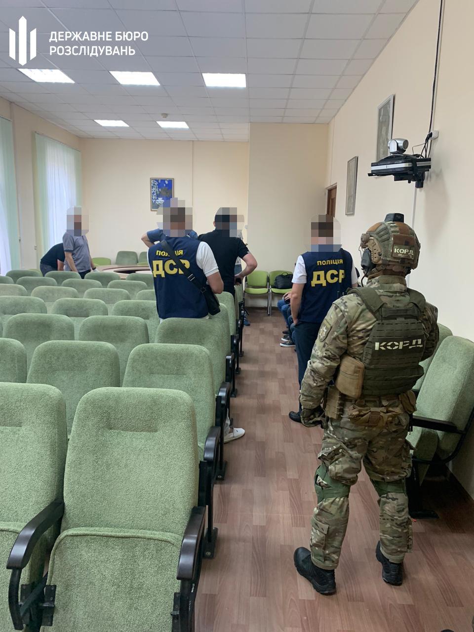 В Харькове силовики проводят обыски в налоговой: два чиновника подозреваются в халатности, - ФОТО, фото-1