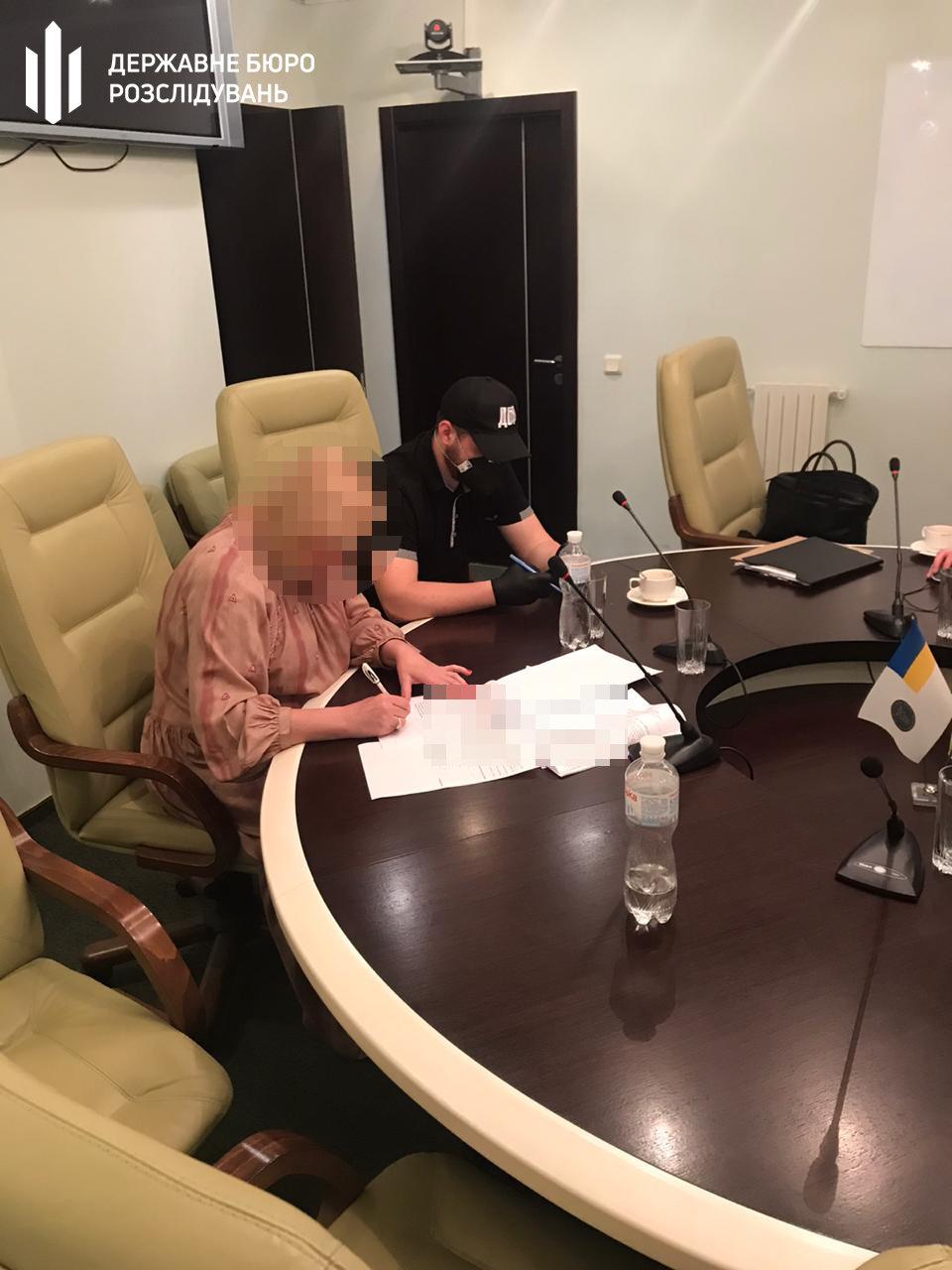 В Харькове силовики проводят обыски в налоговой: два чиновника подозреваются в халатности, - ФОТО, фото-3