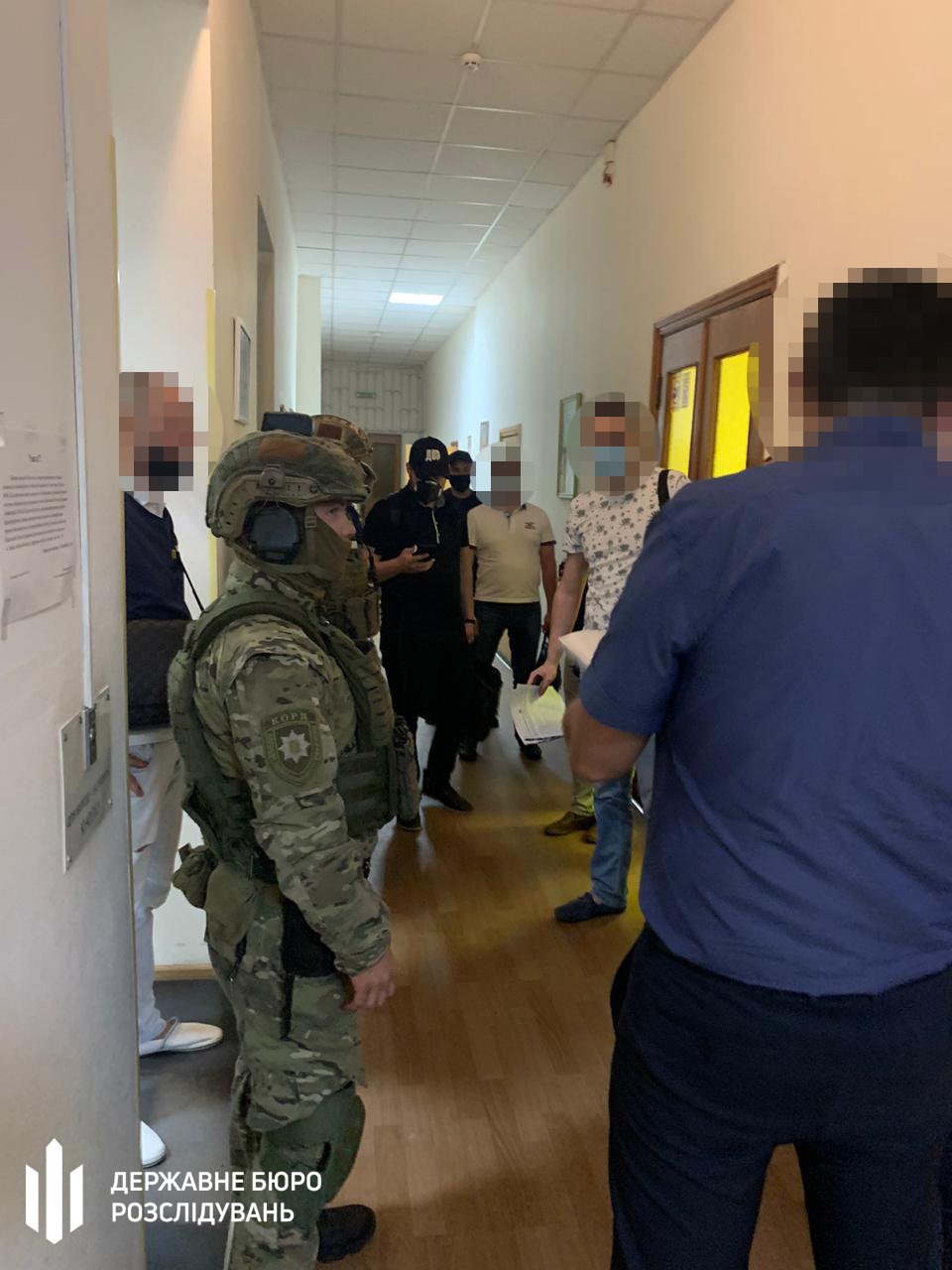 В Харькове силовики проводят обыски в налоговой: два чиновника подозреваются в халатности, - ФОТО, фото-2