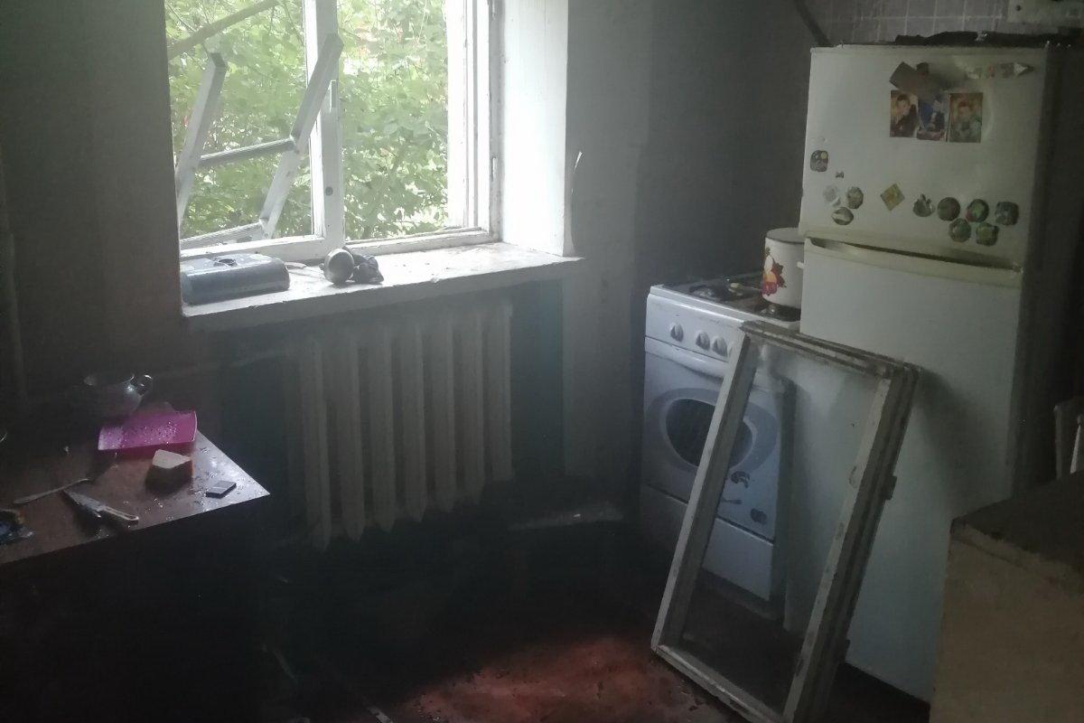 В Харькове спасатели эвакуировали два человека из горящей «пятиэтажки», - ФОТО, фото-4