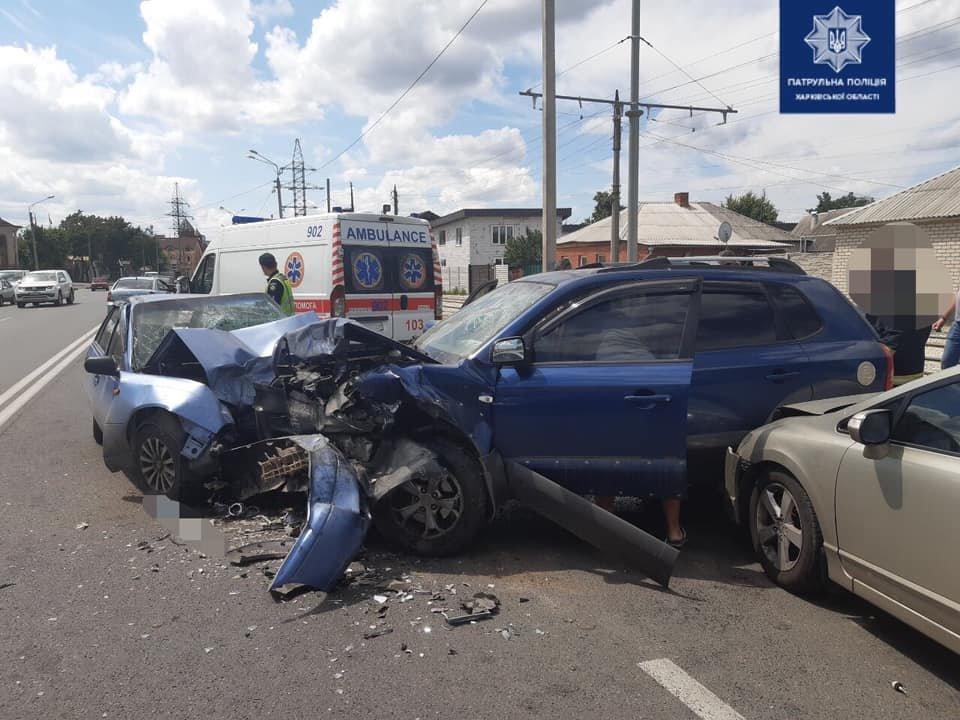 В Харькове столкнулись несколько авто: в больнице трое взрослых и двое детей, - ФОТО, фото-1