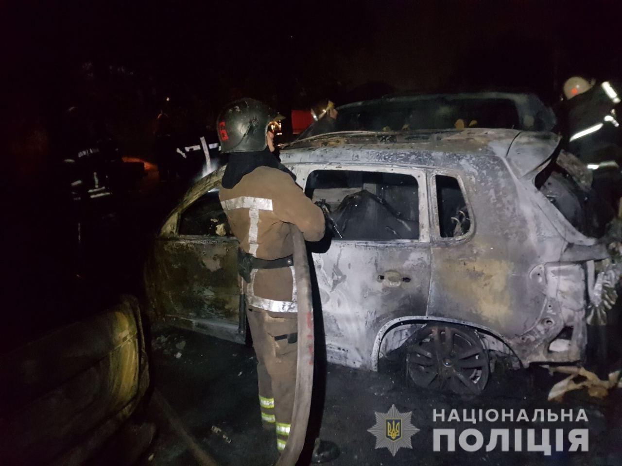 Сгоревшие авто возле охраняемой парковки в Харькове: в полиции рассказали подробности, - ФОТО, фото-2