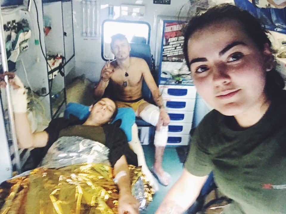 «Война - это кровь, грязь, мыши и г*вно»: история волонтера-парамедика Алины Михайловой, - ФОТО, фото-9