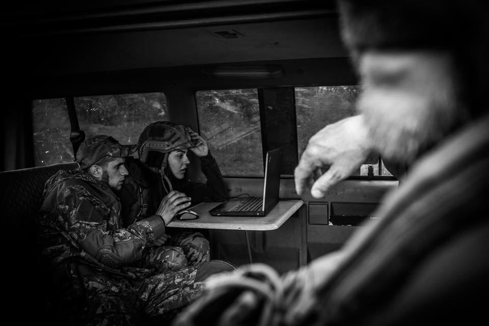 «Война - это кровь, грязь, мыши и г*вно»: история волонтера-парамедика Алины Михайловой, - ФОТО, фото-12