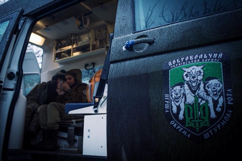 «Война - это кровь, грязь, мыши и г*вно»: история волонтера-парамедика Алины Михайловой, - ФОТО, фото-10